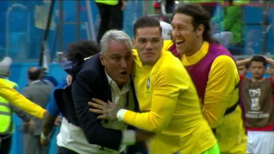 Vitória do Brasil traz alegria e alívio para técnico, jogadores e torcedores