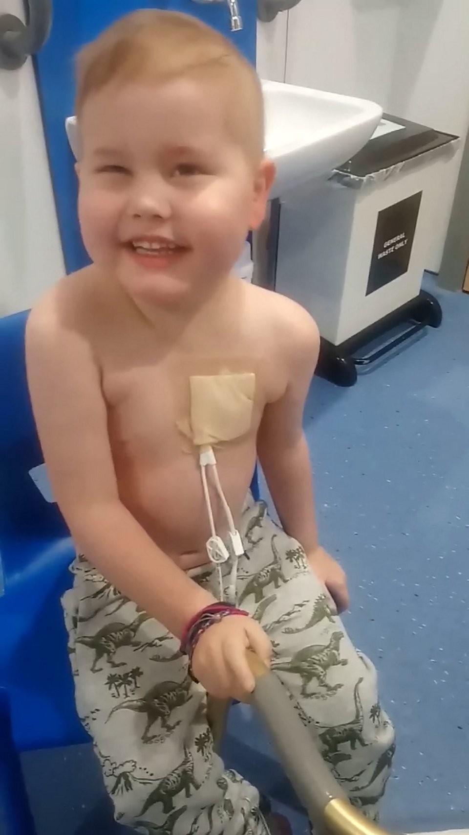 Oscar no hospital (Foto: Arquivo pessoal)