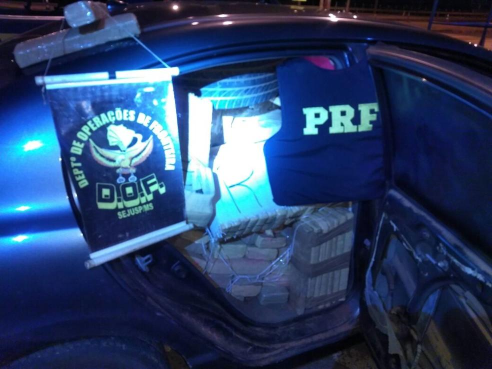 Droga apreendida pela PRF e DOF, na BR-163, em Dourados (Foto: DOF/Divulgação)