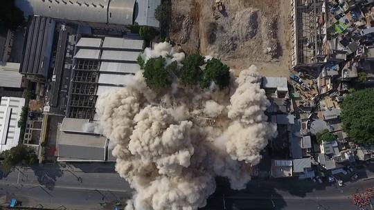 Nova implosão volta a fechar o trânsito na Mangueira neste domingo
