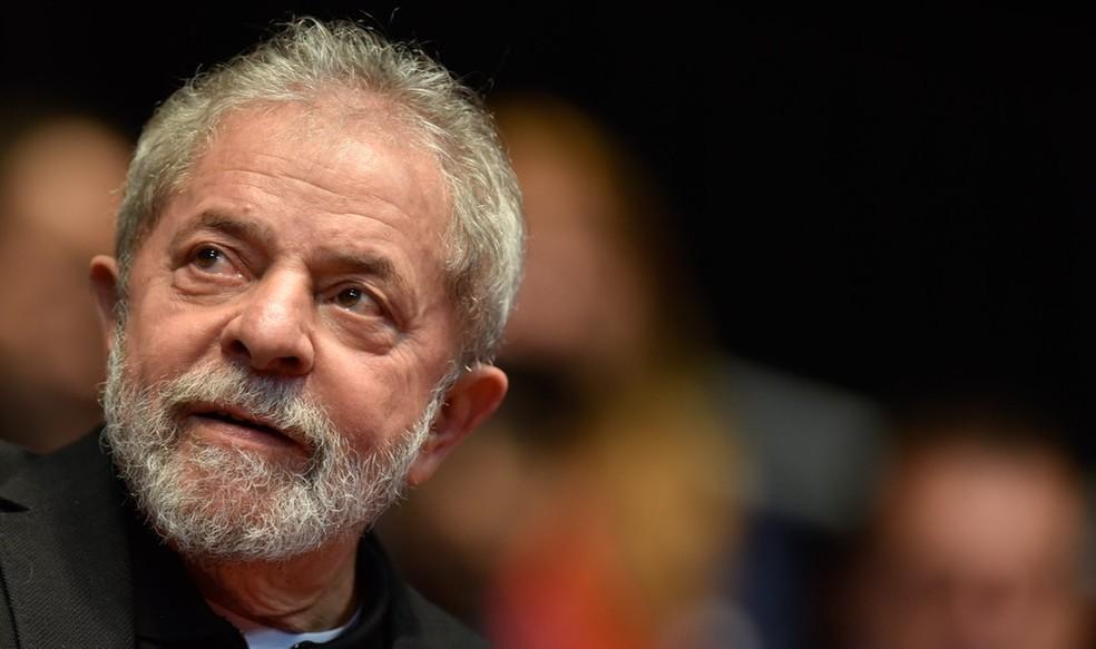 Luiz Inácio Lula da Silva foi condenado na Lava Jato e responde a outro processo em Curitiba (Foto: Foto: Douglas Magno/AFP)