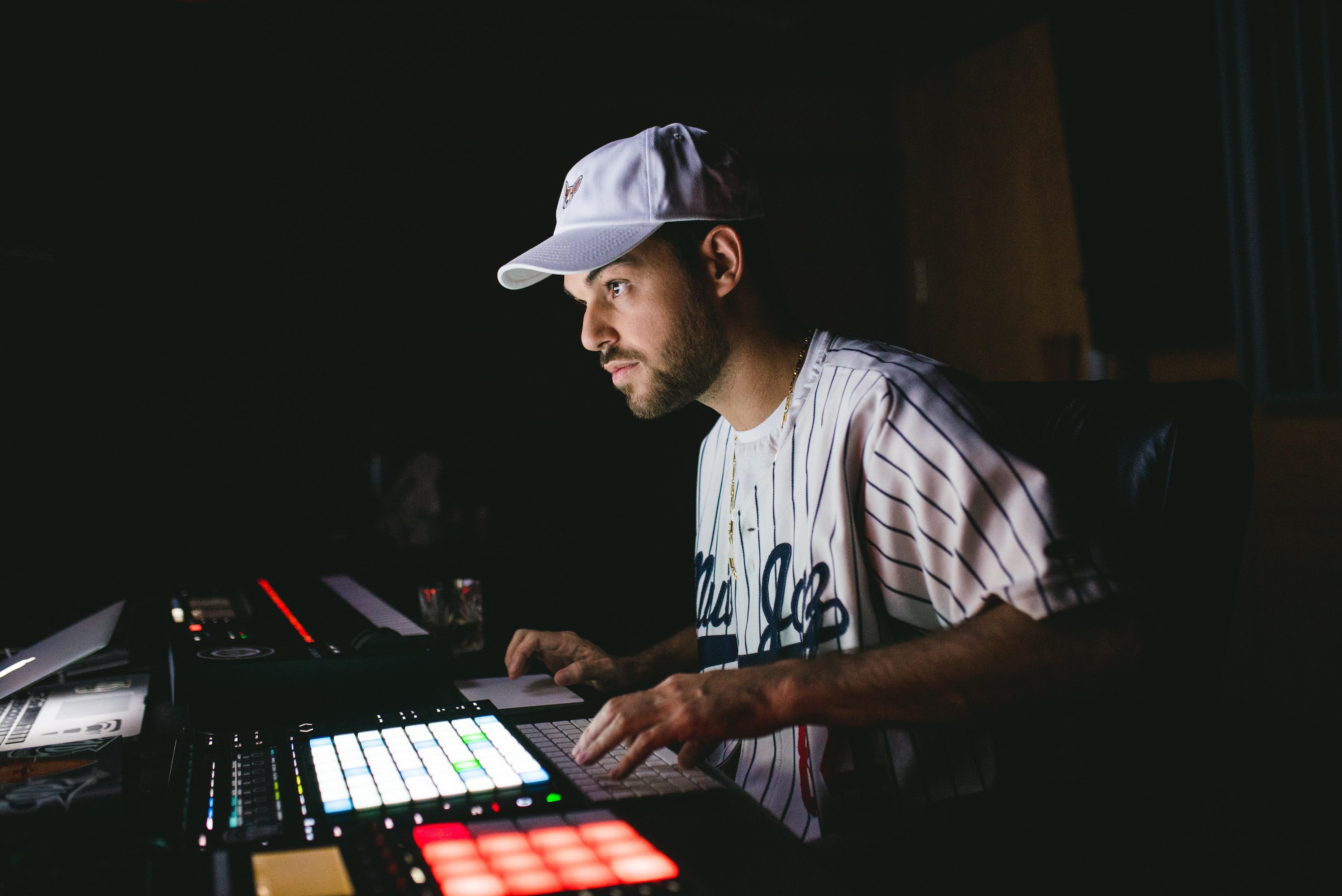 Quem é Papatinho, produtor que começou gravando em garagem e agora faz feat de Cardi B e Anitta - Notícias - Plantão Diário