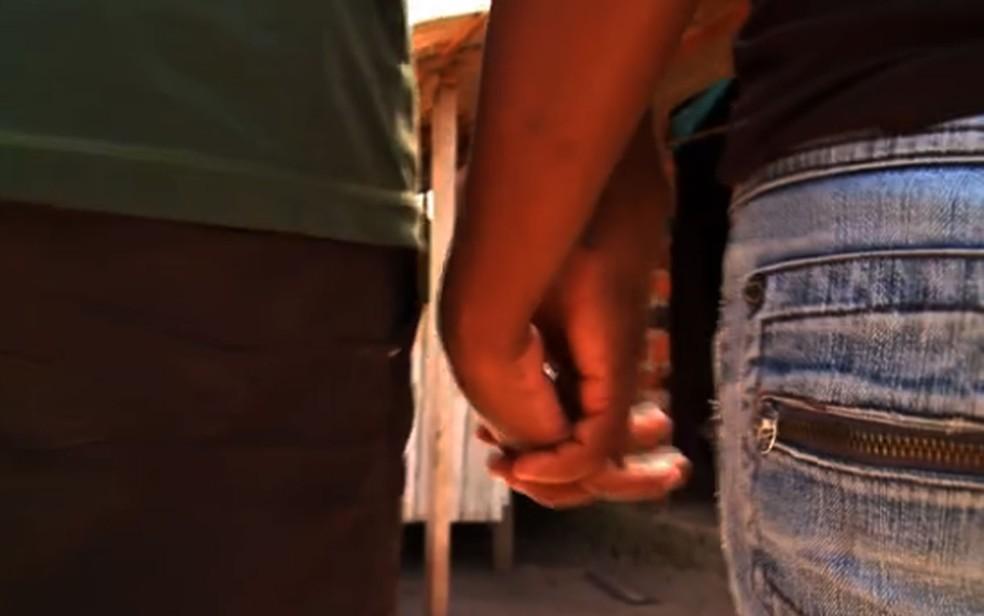 Casamento é considerado infantil quando ao menos um dos cônjuges tem 18 anos ou menos — Foto: Reprodução/Globo News