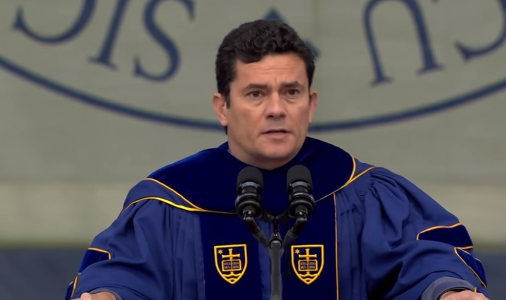 O juiz Sergio Moro durante o discurso aos formandos de 2018 da Universidade de Notre Dame (Foto: Reprodução)