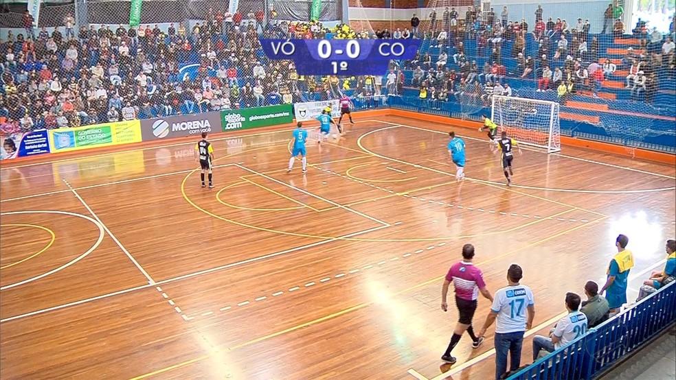 Gol marcado por Dieguinho, do Vô Maria, contra o Coxim, na final da Copa Morena 2019 — Foto: Reprodução/TV Morena
