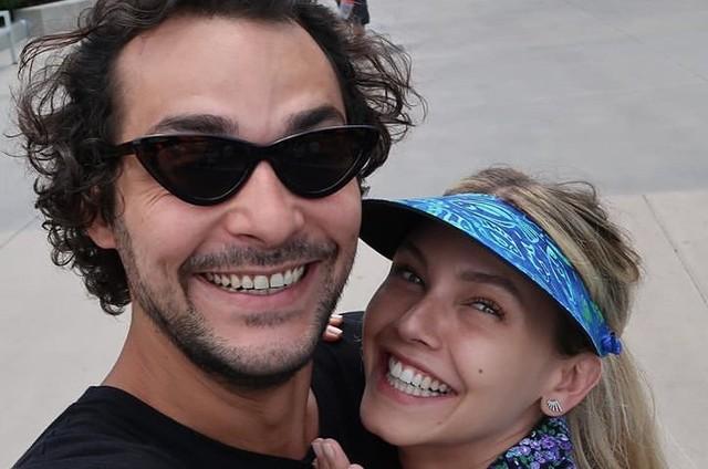 Eduardo Sterblitch e Louise D'Tuani (Foto: Reprodução)
