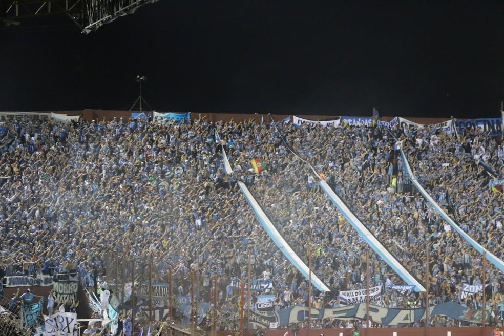 Torcida do Grêmio em Lanús (Foto: Eduardo Moura)