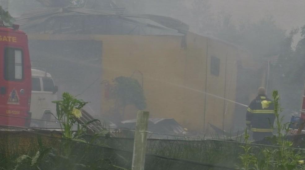 Barracão ficou totalmente destruído após explosão em Avaré (Foto: Pedro Salgado/TV TEM)
