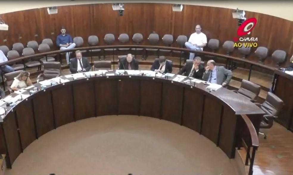 Câmara de Marília protocola pedido de afastamento de vereadora que ligou para tenente-coronel após ter carro guinchado — Foto: TV Câmara/Arquivo