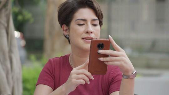 Solange descobre que Rafa e Gabi vão se casar