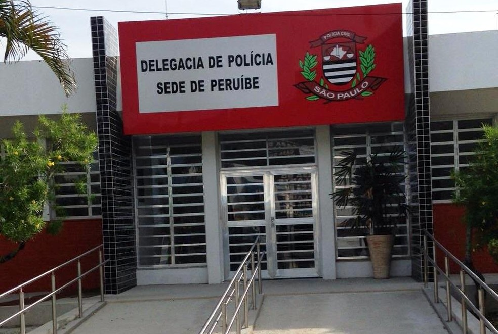 Delegacia Sede de Peruíbe, no litoral de São Paulo — Foto: Cássio Lyra/G1
