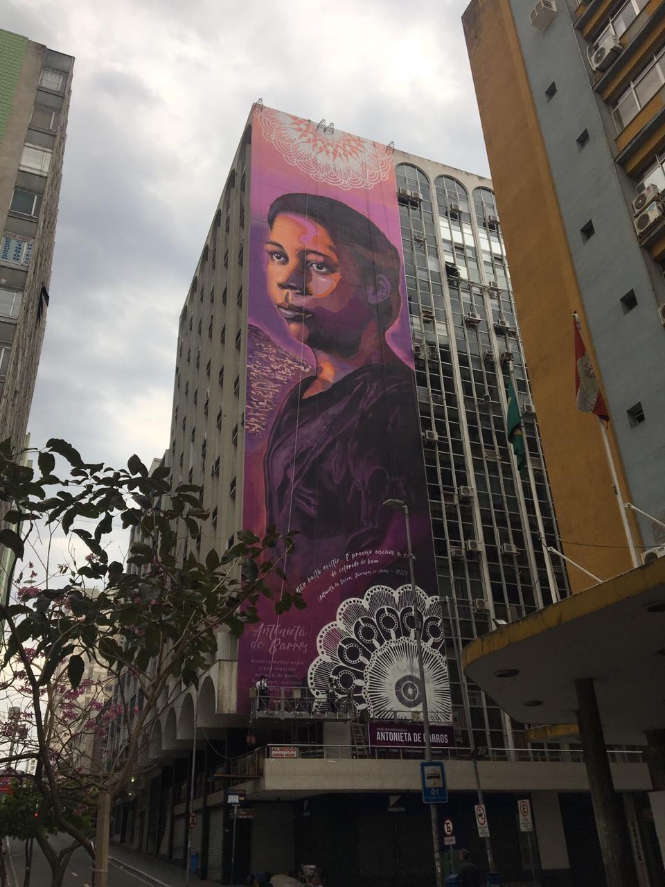 Mural em homenagem a Antonieta de Barros é inaugurado no Centro de Florianópolis  - Notícias - Plantão Diário