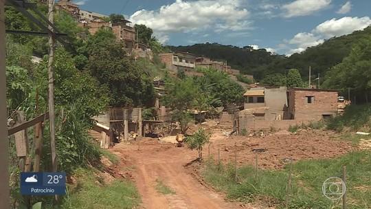 Um mês após chuvas, mais de 20 famílias seguem desalojadas na Grande BH