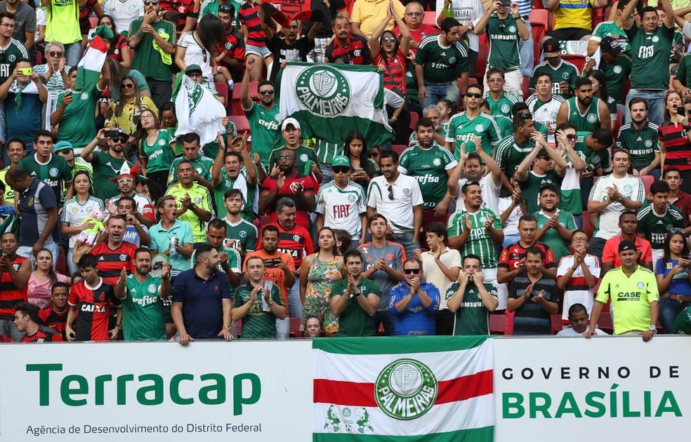 Torcidas Flamengo e Palmeiras no Mané Garrincha — Foto: César Greco / Ag. Palmeiras / Divulgação