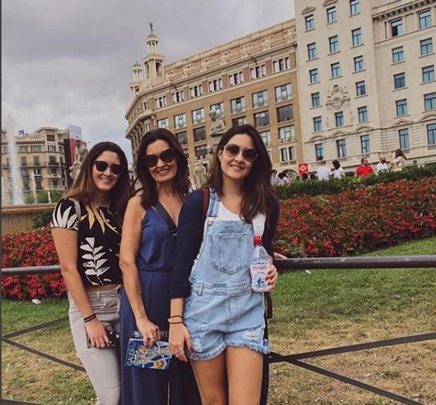Fátima e as filhas (Foto: Reprodução / Instagram)