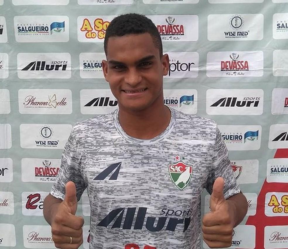 Alison Araçoiaba é formado na base do Sport — Foto: SAC / Divulgação
