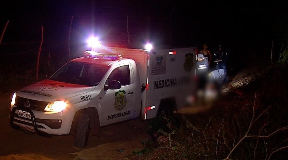 Homem foi executado com nove tiros no Bairro Lagoa Azul, na Zona Norte de Natal — Foto: Reprodução/Inter TV Cabugi