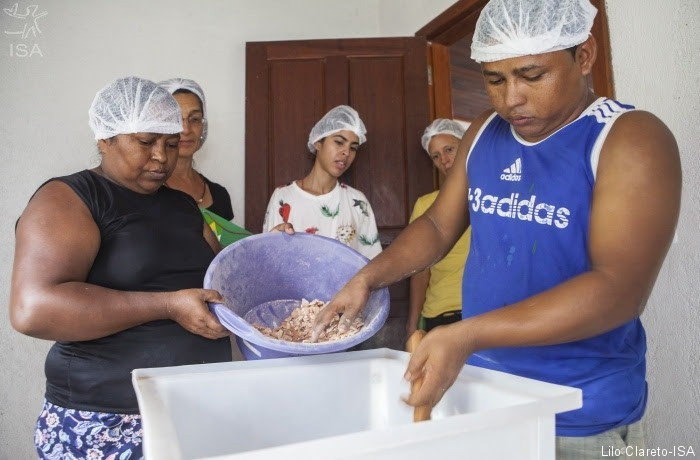 babçu-mulheres (Foto: Lilo Clareto/ISA)