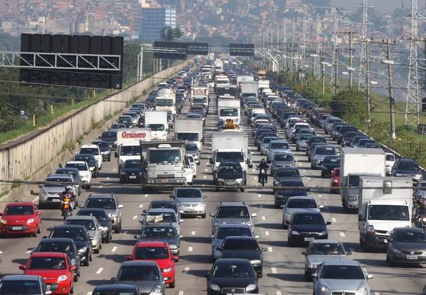 Marginal Tietê apresenta pistas com tráfego intenso em São Paulo; congestionamento; trânsito em São Paulo; (Foto: Estadão Conteúdo)