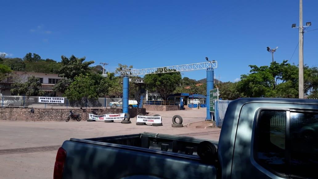 Em novo protesto contra ação de analistas da Receita Federal, transportadoras fecham em MS fronteira do Brasil com a Bolívia