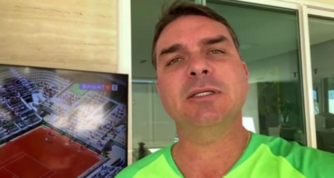 Flávio Bolsonaro atacou o técnico Tite por um suposto boicote à Copa América