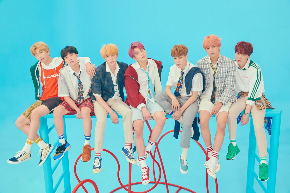 BTS SUPERA A TAYLOR SWIFT