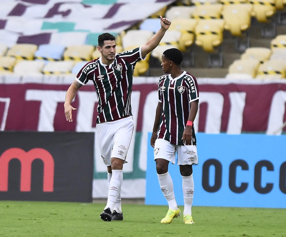 Nino comemora o gol do Fluminense contra o Botafogo — Foto: André Durão