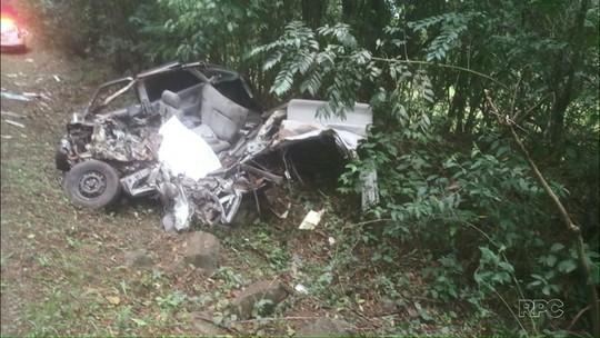 Jovem de 20 anos morre em batida entre caminhão e carro na PR-471