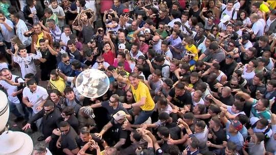 VÍDEO mostra suspeito tentando esfaquear Bolsonaro antes de ataque