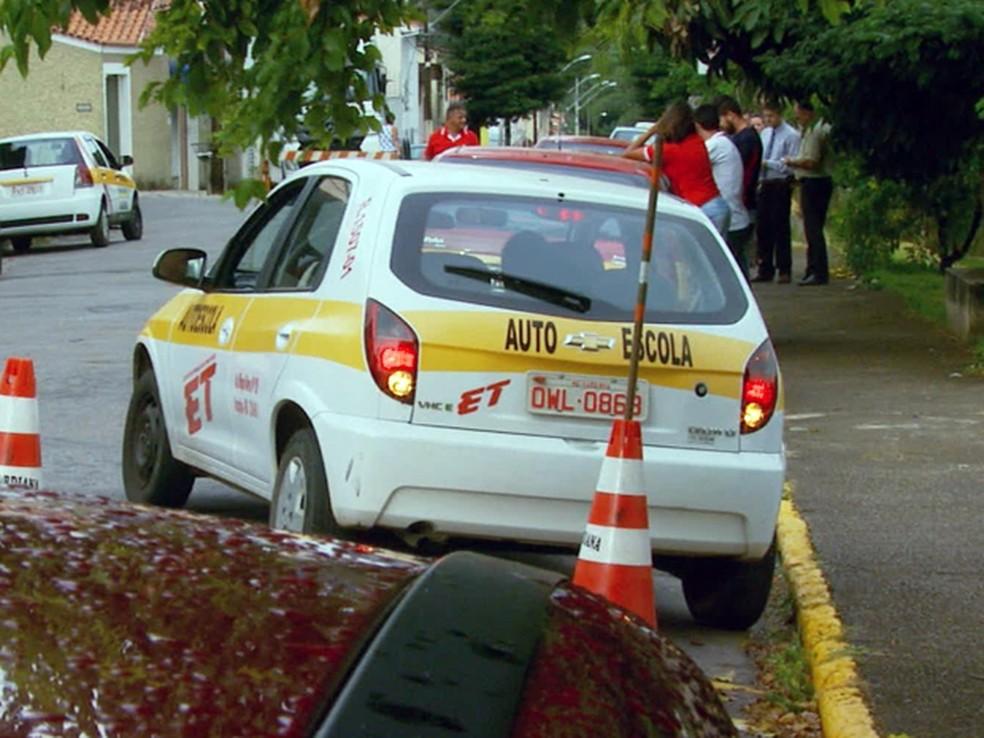 Baliza é o terror dos candidatos à CNH (Foto: Reprodução EPTV)