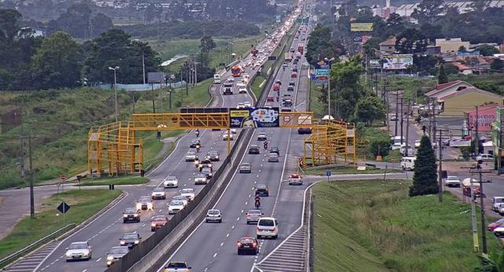 Quarta-feira de muito movimento na BR-277, no sentido Curitiba (Foto: Reprodução/ Ecovia)
