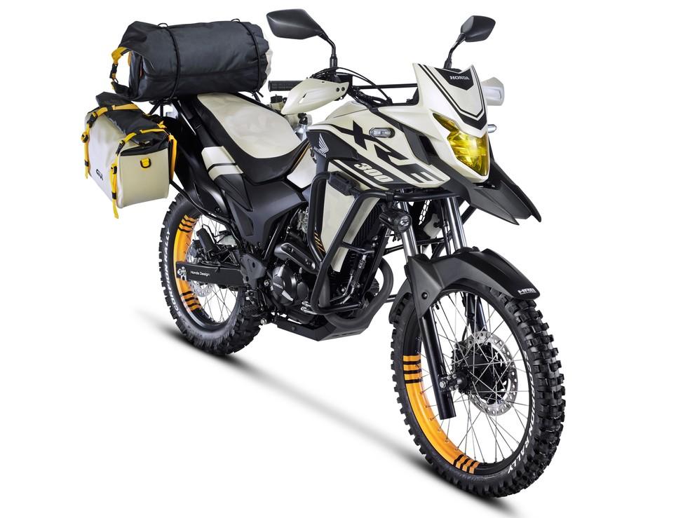 """Honda XRE 300 """"Adventure"""" — Foto: Divulgação"""