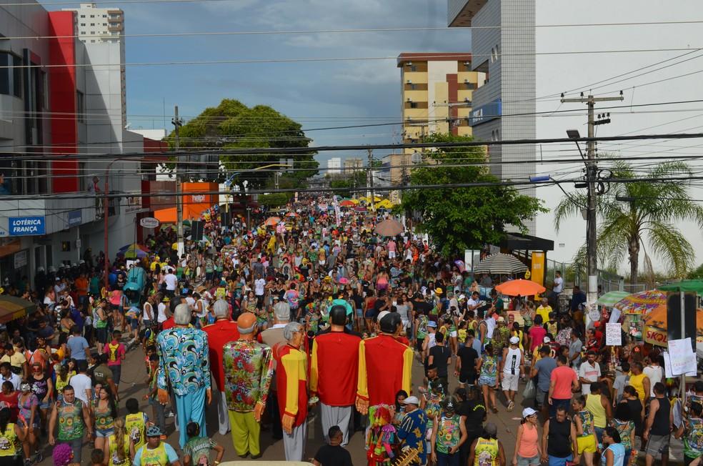 Image result for carnaval de rua bom despacho mg
