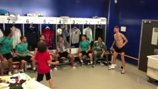Golaço do filho de Marcelo em título pelo sub-10 do Real impressiona Neymar e Vinicius Junior