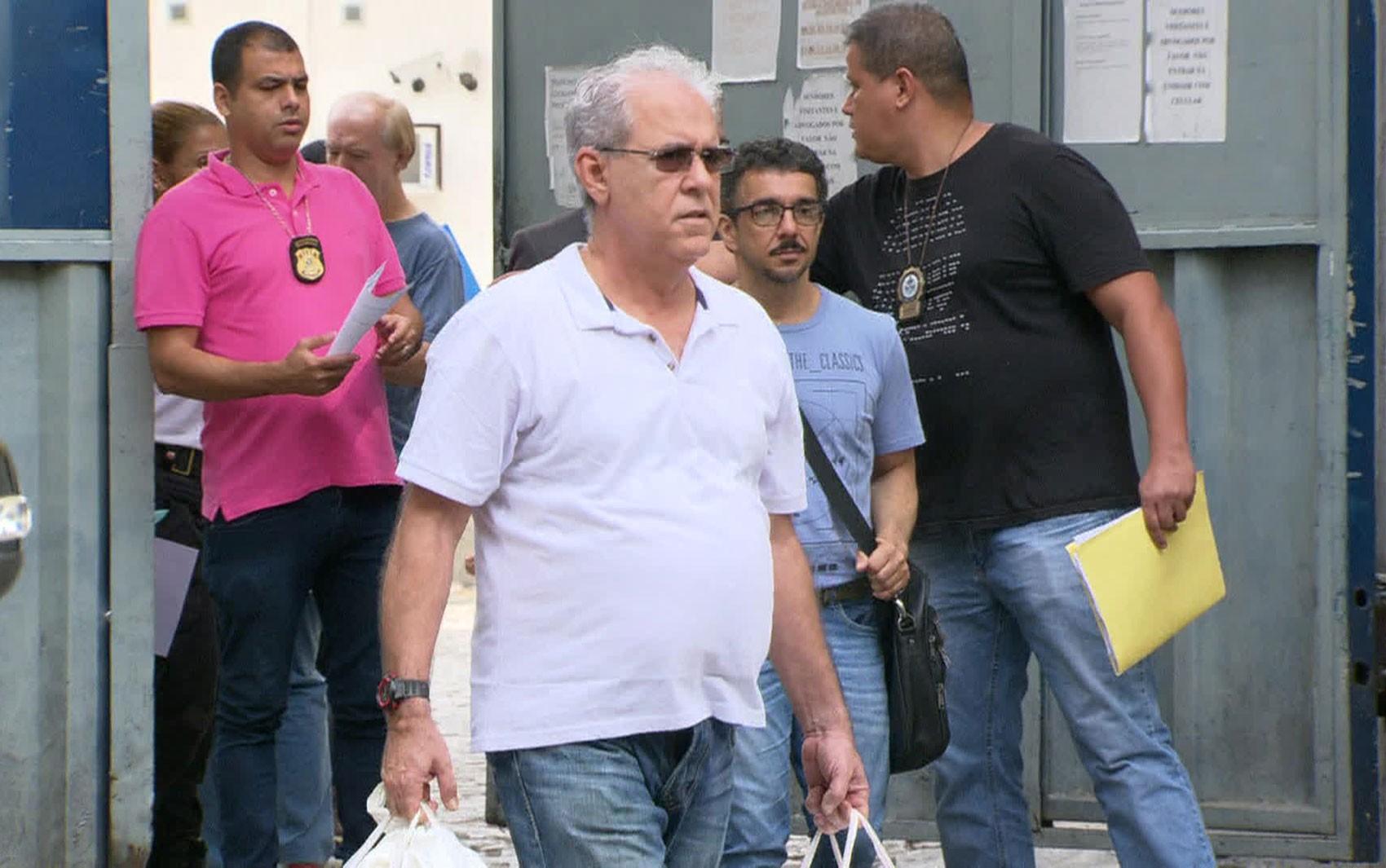 Ary Filho, apontado como operador financeiro do esquema de Cabral, deixa a cadeia no Rio