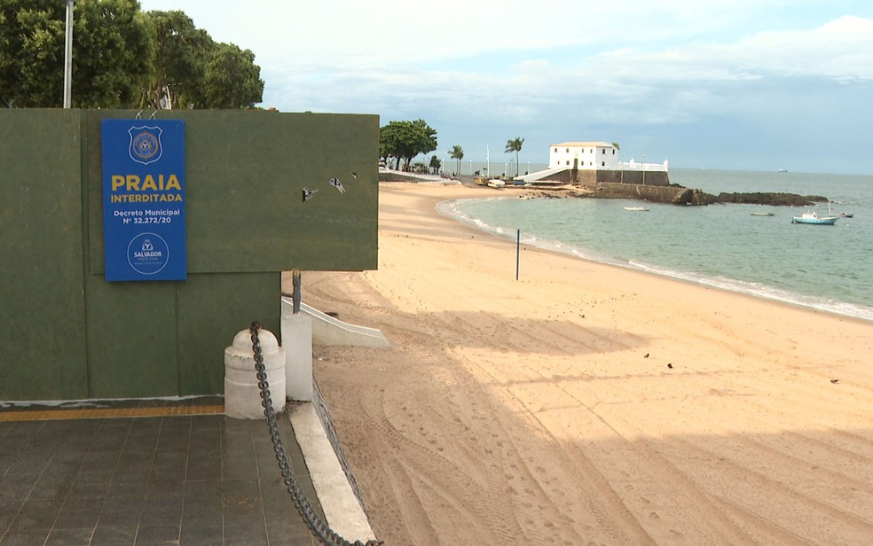 Praias de Salvador foram interditadas no dia 21 de março — Foto: Reprodução/TV Bahia