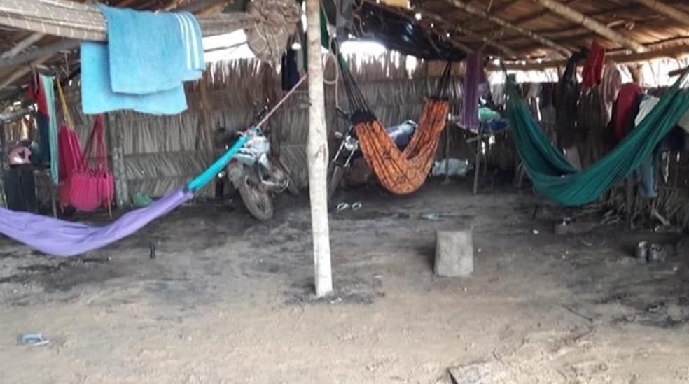 Trabalhadores em situação análoga à escravidão são resgatados no Maranhão. — Foto: Reprodução/TV Mirante