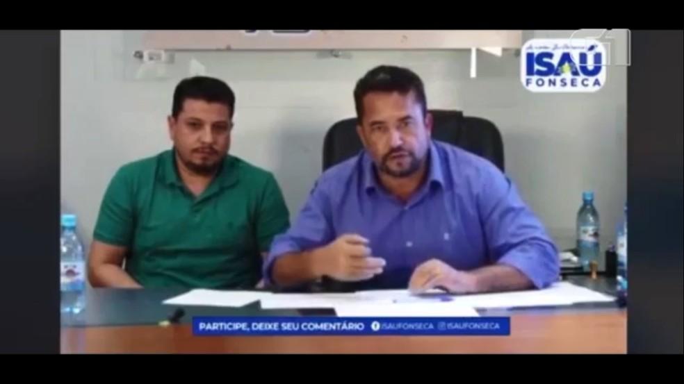 Isaú Fonseca chama médicos de covardes durante live, em Ji-Paraná — Foto: Reprodução/Facebook