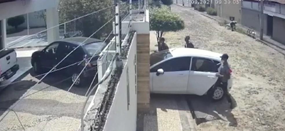 Criminosos invadem casa de professor durante aula on-line em Teresina — Foto: Reprodução