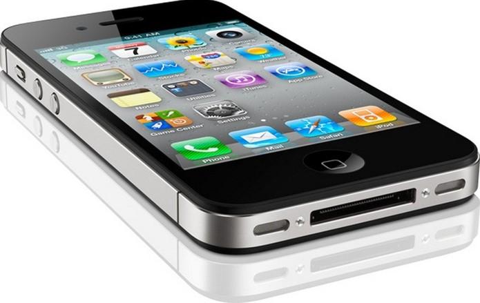 iPhone 4S e iPad 2 trazem entrada dock antiga e incompatível com novos acessórios (Foto: Divulgação/Apple) (Foto: iPhone 4S e iPad 2 trazem entrada dock antiga e incompatível com novos acessórios (Foto: Divulgação/Apple))