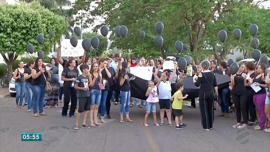 Moradores fazem protesto e vigília contra fechamento de UTI pediátrica em MT