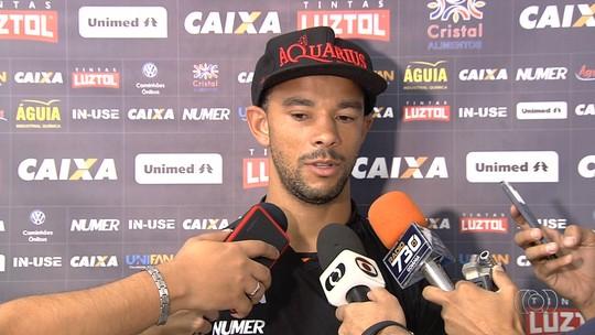 Roger Carvalho espera se ver livre das lesões e ter sequência na Série A