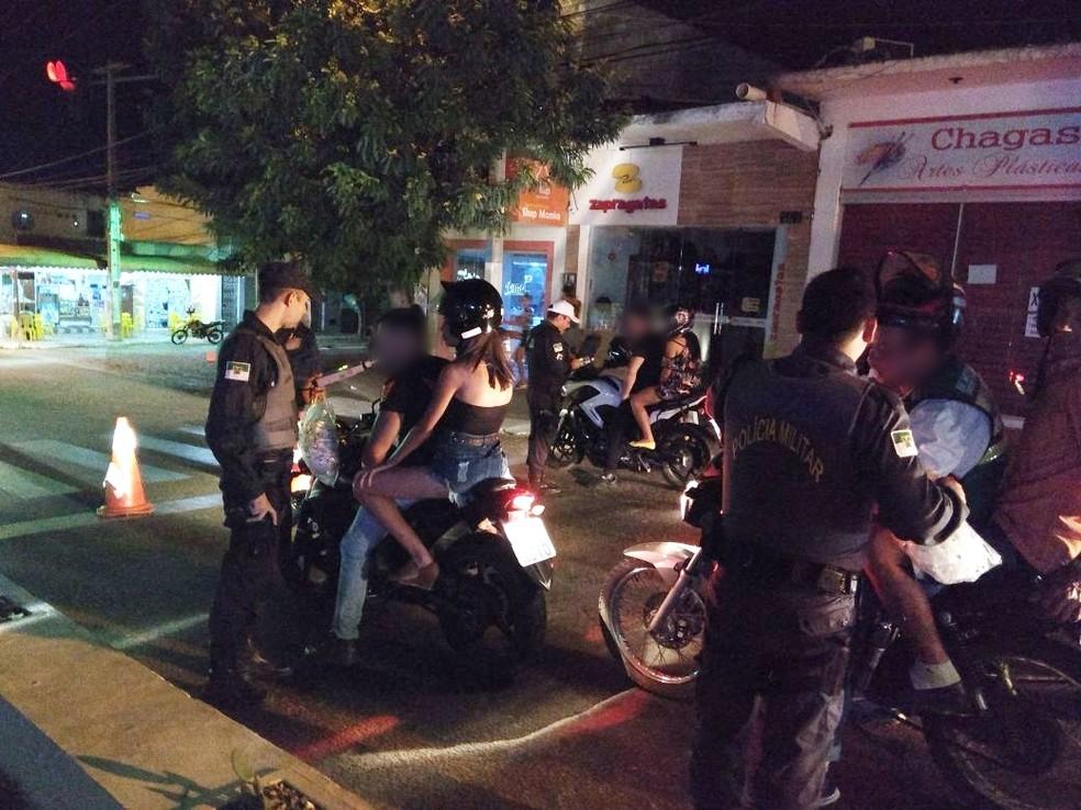 Fiscalização foi feita em três pontos diferentes ao redor do 14º Cactus Moto Fest. Ao final do evento, 72 pessoas acabaram autuadas por embriaguez (Foto: PM/Divulgação)