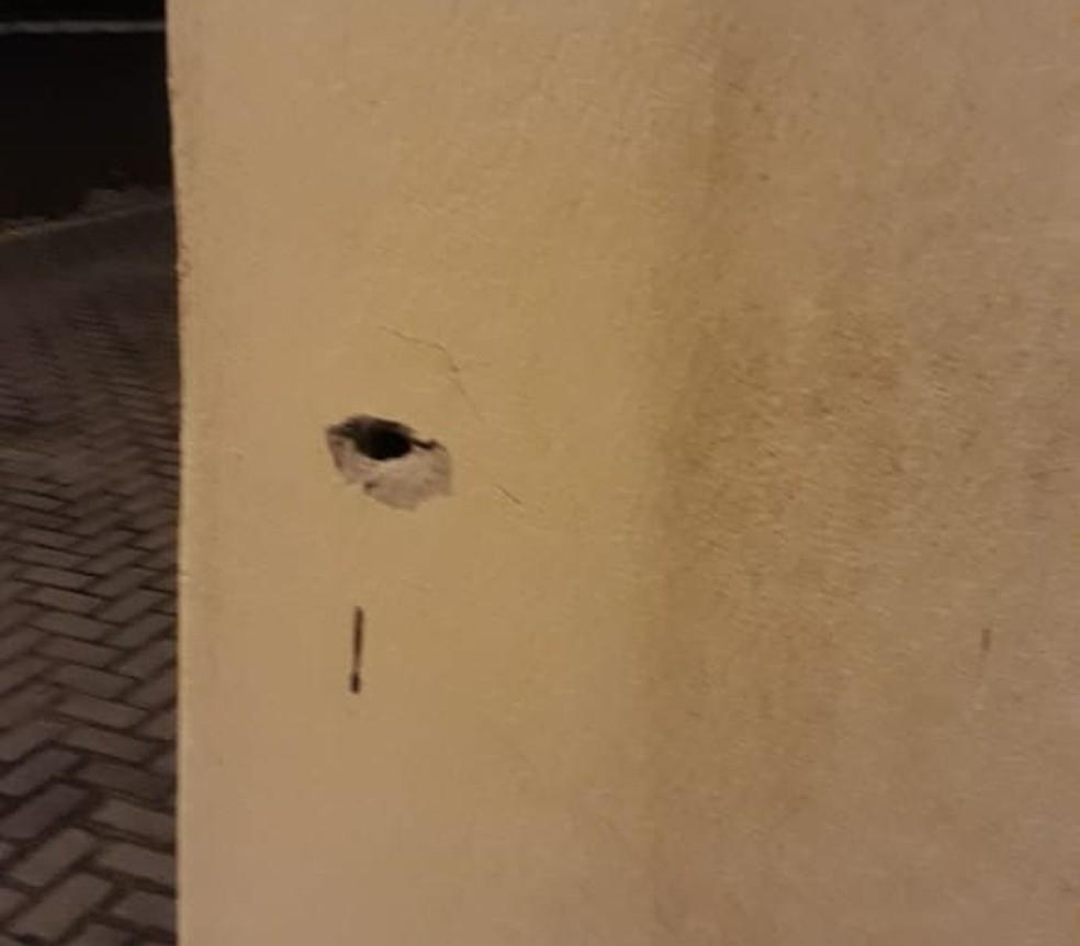 Marcas de tiros foram encontradas pela PM de Piên — Foto: PM/Divulgação