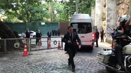 Policial procura homem que xingou presidente no local do casamento de Eduardo Bolsonaro