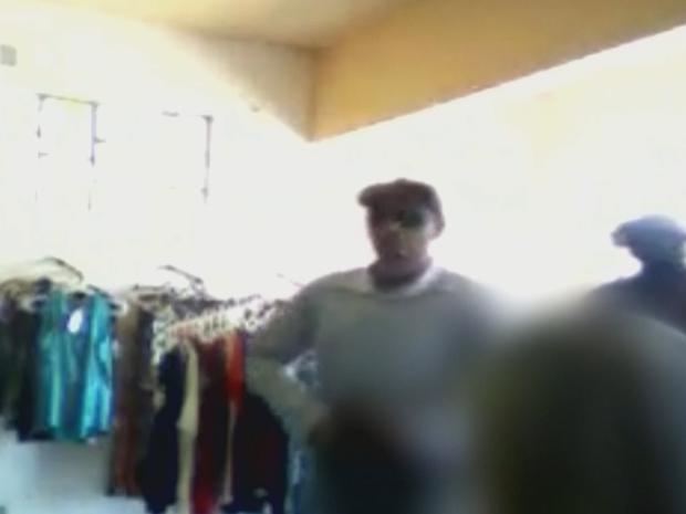 Câmera registrou assalto em loja de roupas (Foto: Reprodução/TV TEM)
