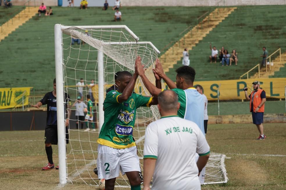 d4b5ed4bd0 XV de Jaú goleia Jaguariúna e conta com derrota da Itapirense para ...