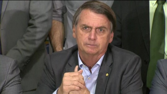 PSL oficializa a candidatura de Bolsonaro à Presidência, mas adia a definição de vice
