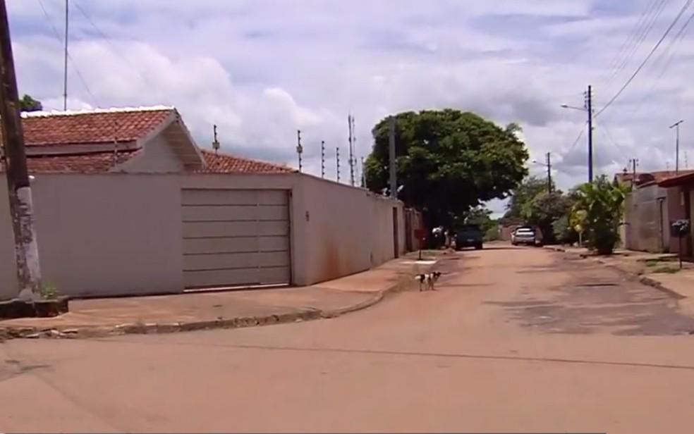 Suspeitos morrem em confronto com Rotam em Goianira — Foto: Reprodução/TV Anhanguera
