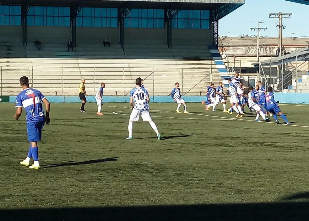 Vitória fora de casa dá vantagem do empate ao time acreano para jogo de volta, no domingo (13), em Rio Branco (AC) (Foto: EC São José/Divulgação)